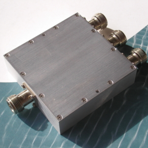 Power Divider, 3 Way, 50 Ohm, 800-2000 MHz, 5 Watts, N female
