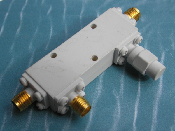 Directional Coupler, 20 dB, 2-18 GHz, 25 Watts, SMA female